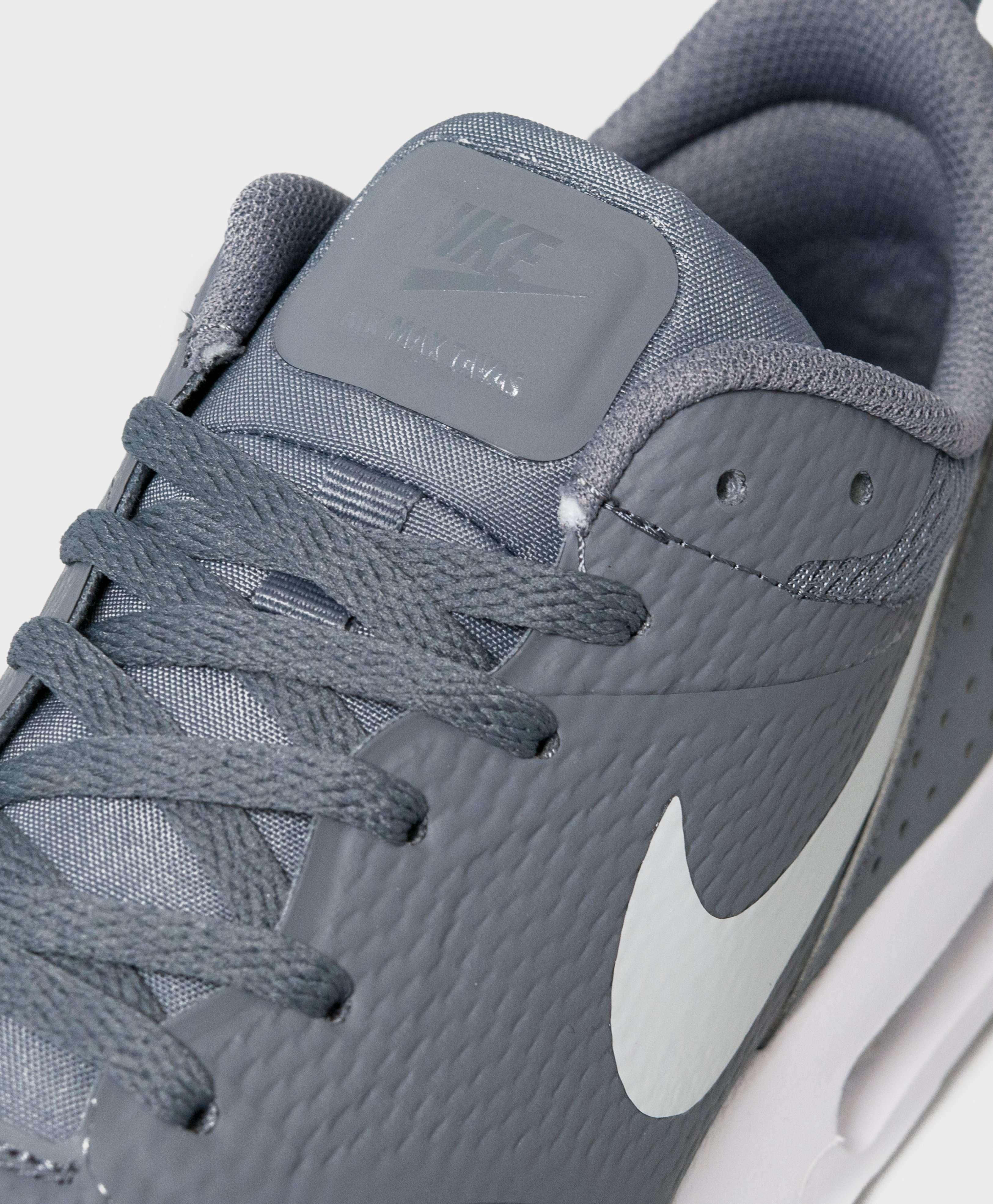 Nike Tavas Cool