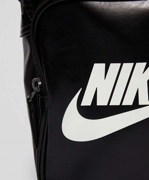 3e9e082569 ... Nike Heritage Small Items Bag