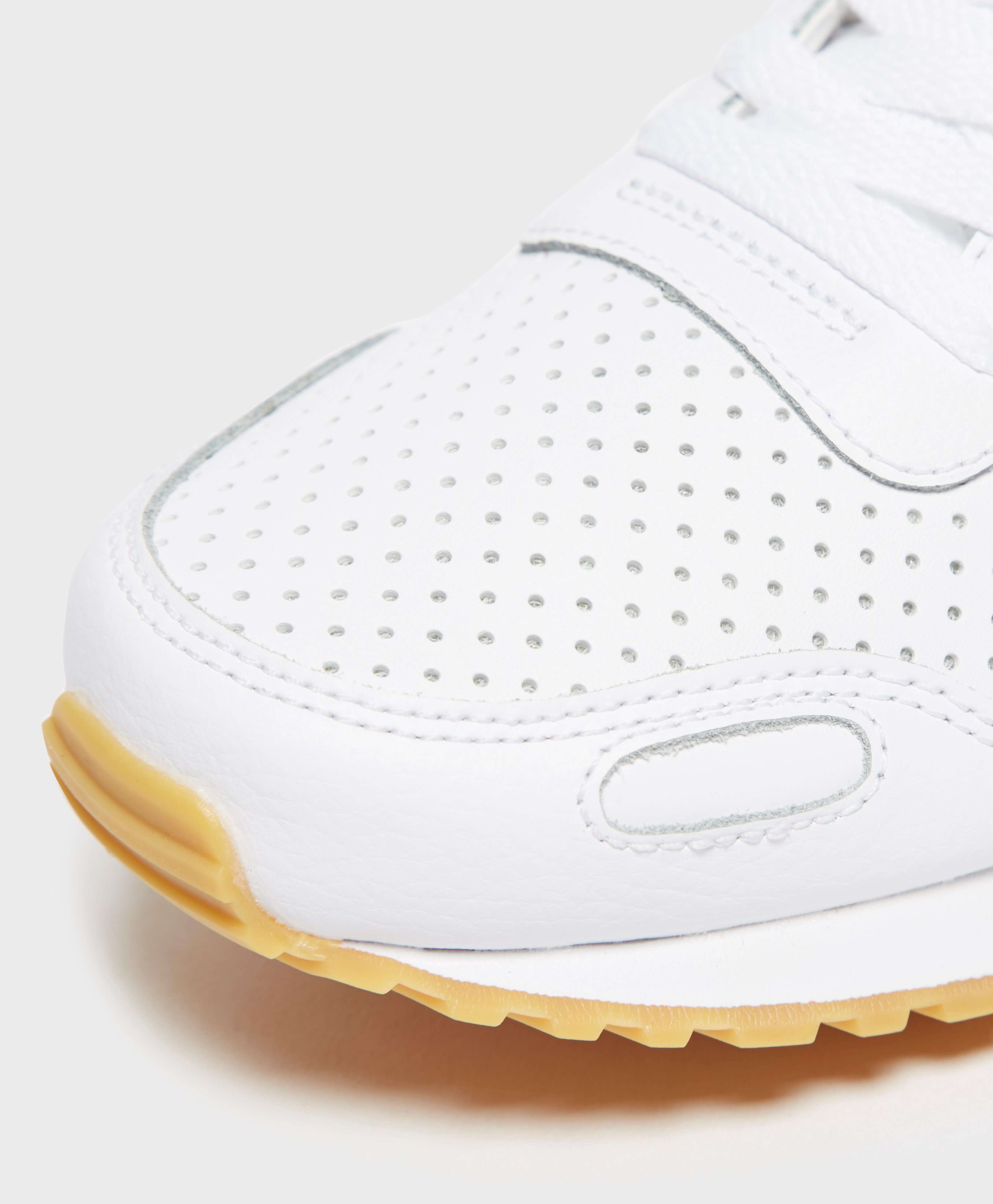 Nike Vortex Leather