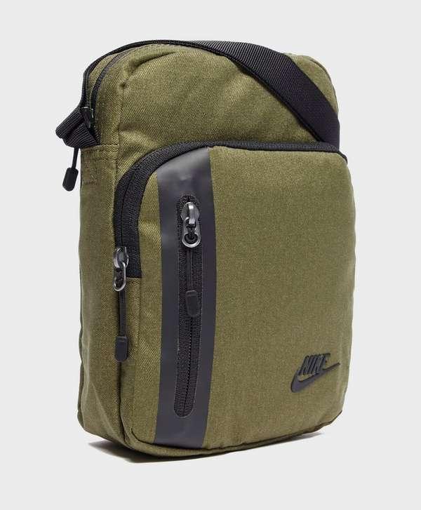 3dd52f1a43 ... Nike Core Small Crossbody Bag ...