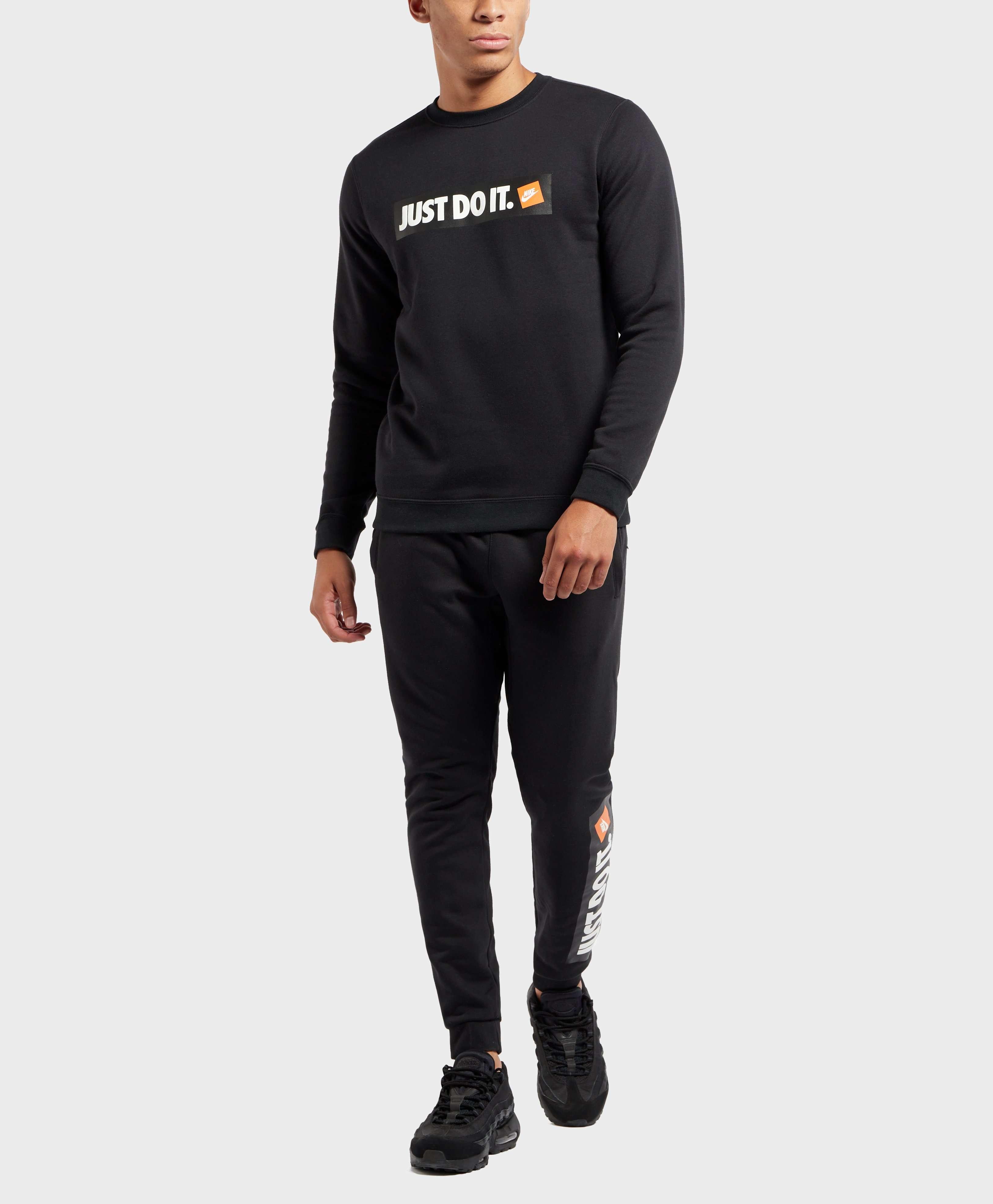 Nike Logo Cuffed Track Pants