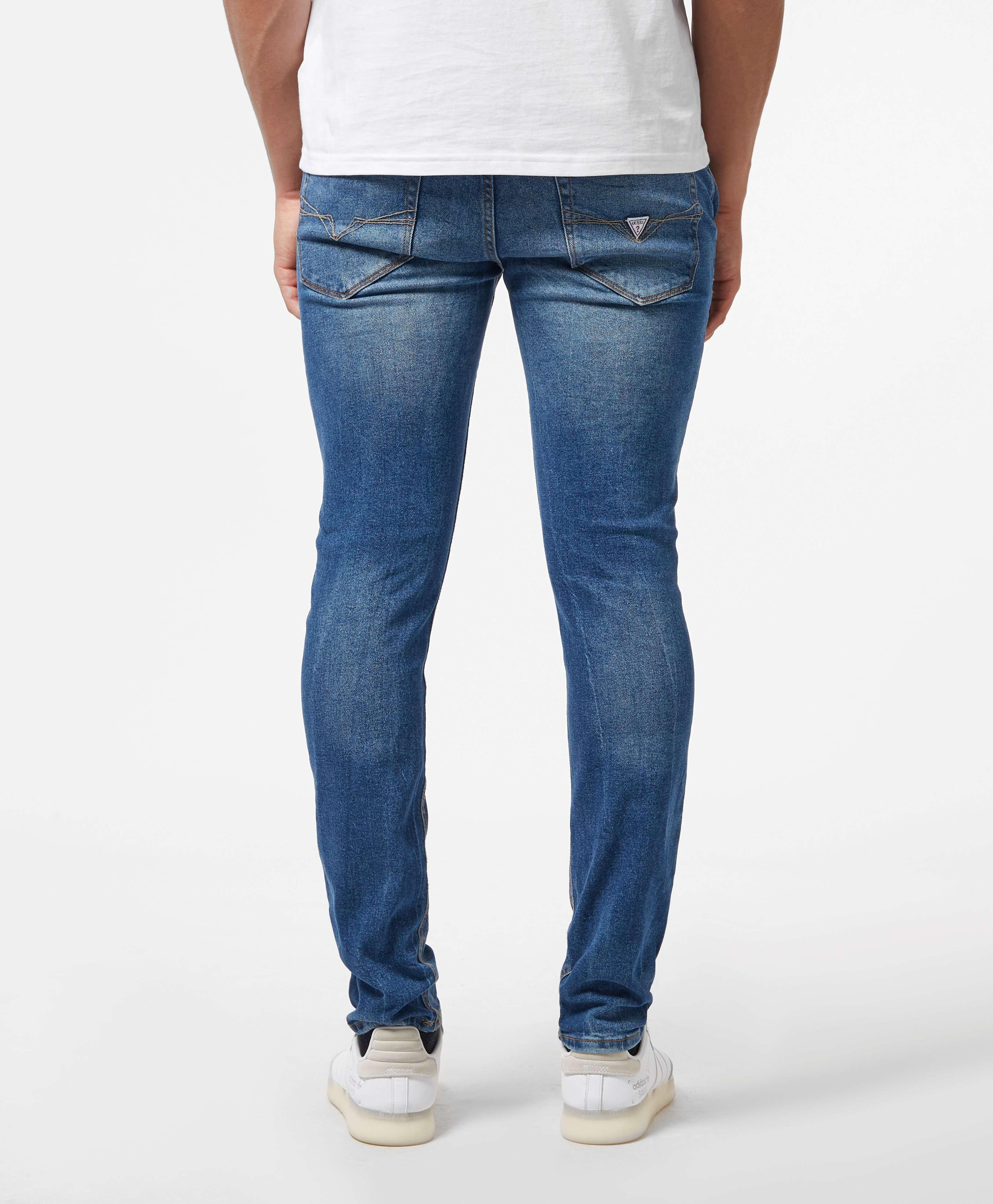 GUESS Adam Slim Jeans