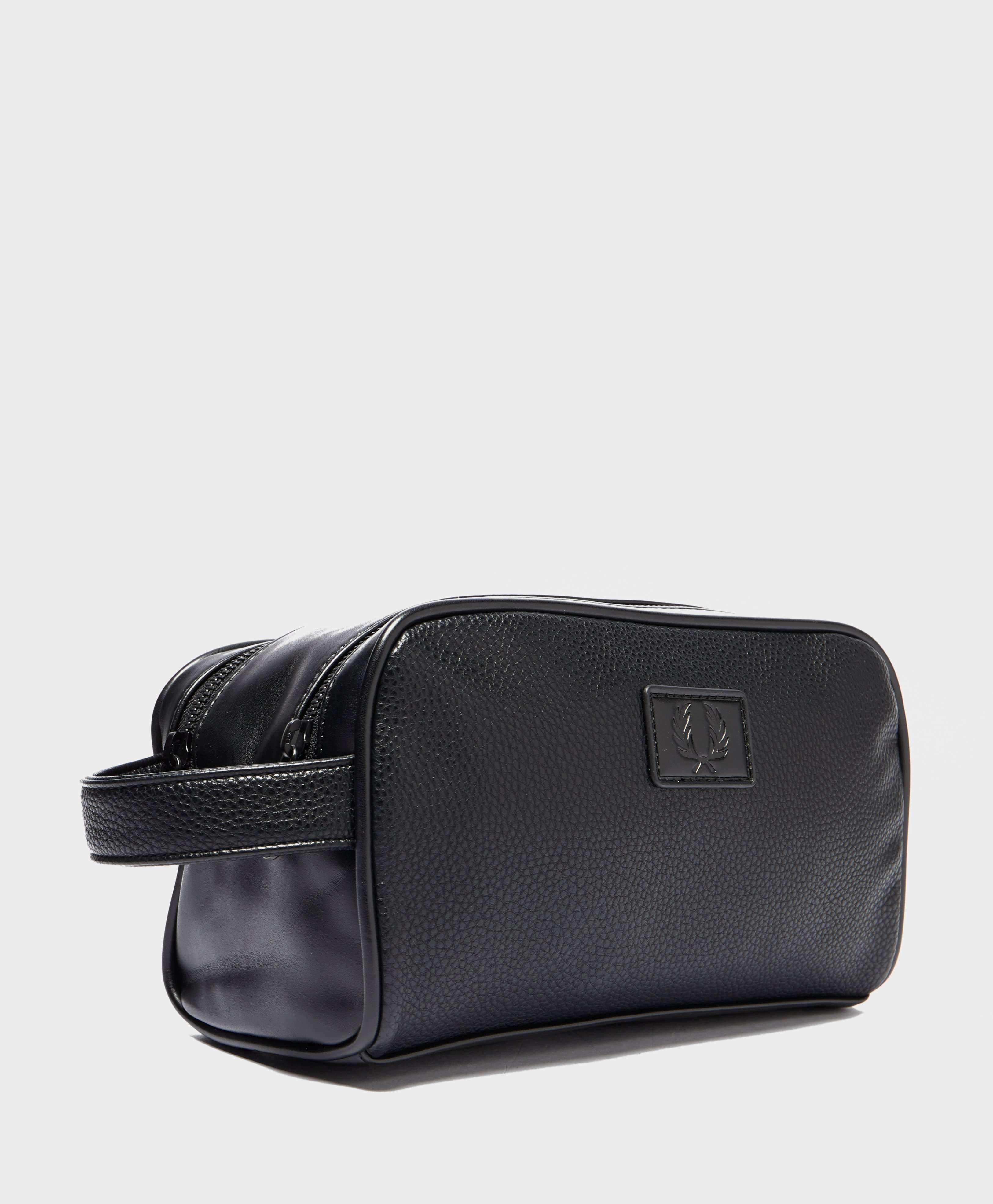 Fred Perry Tumbled Washbag - Online Exclusive
