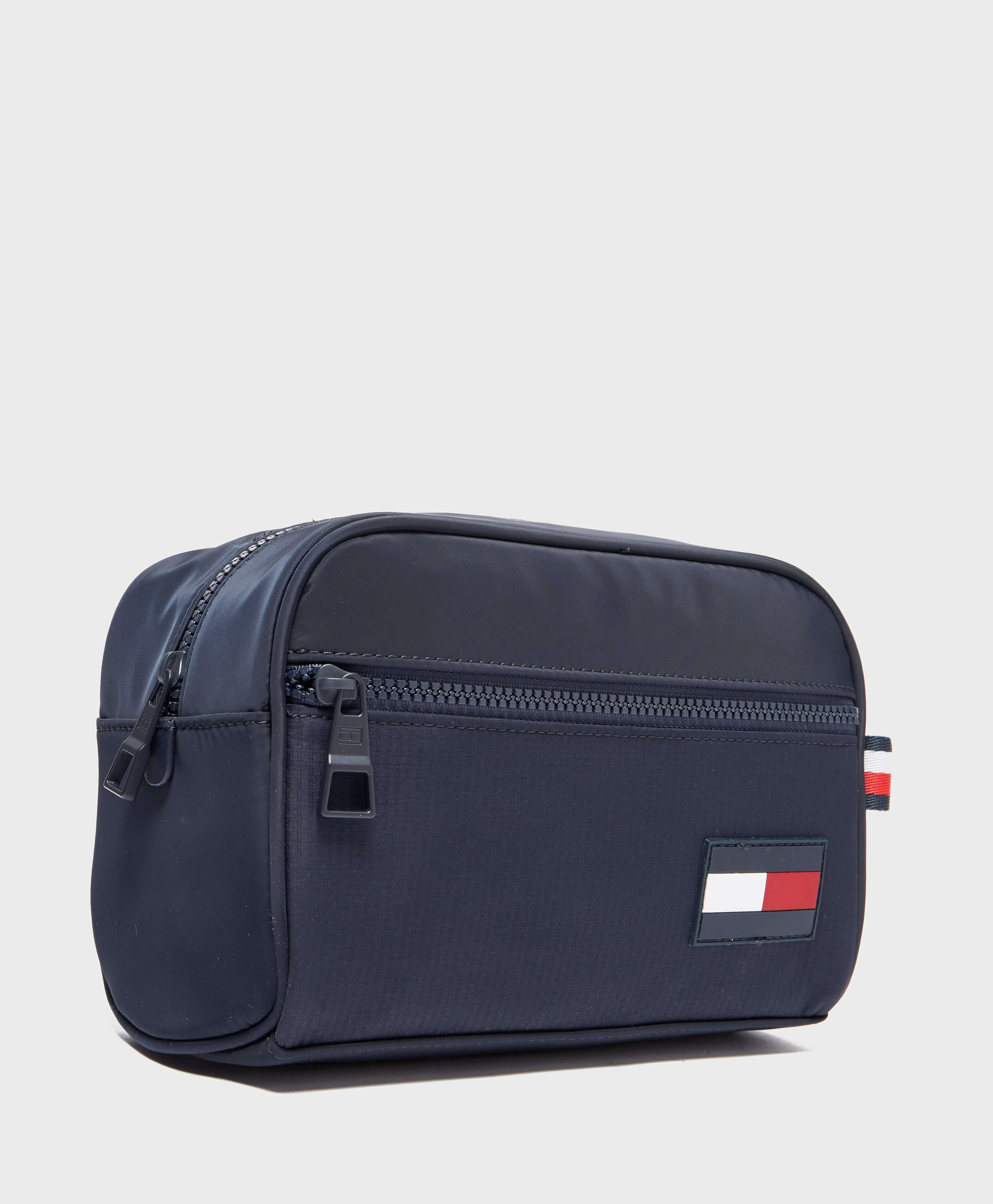 Tommy Hilfiger Sport Mix Wash Bag - Online Exclusive