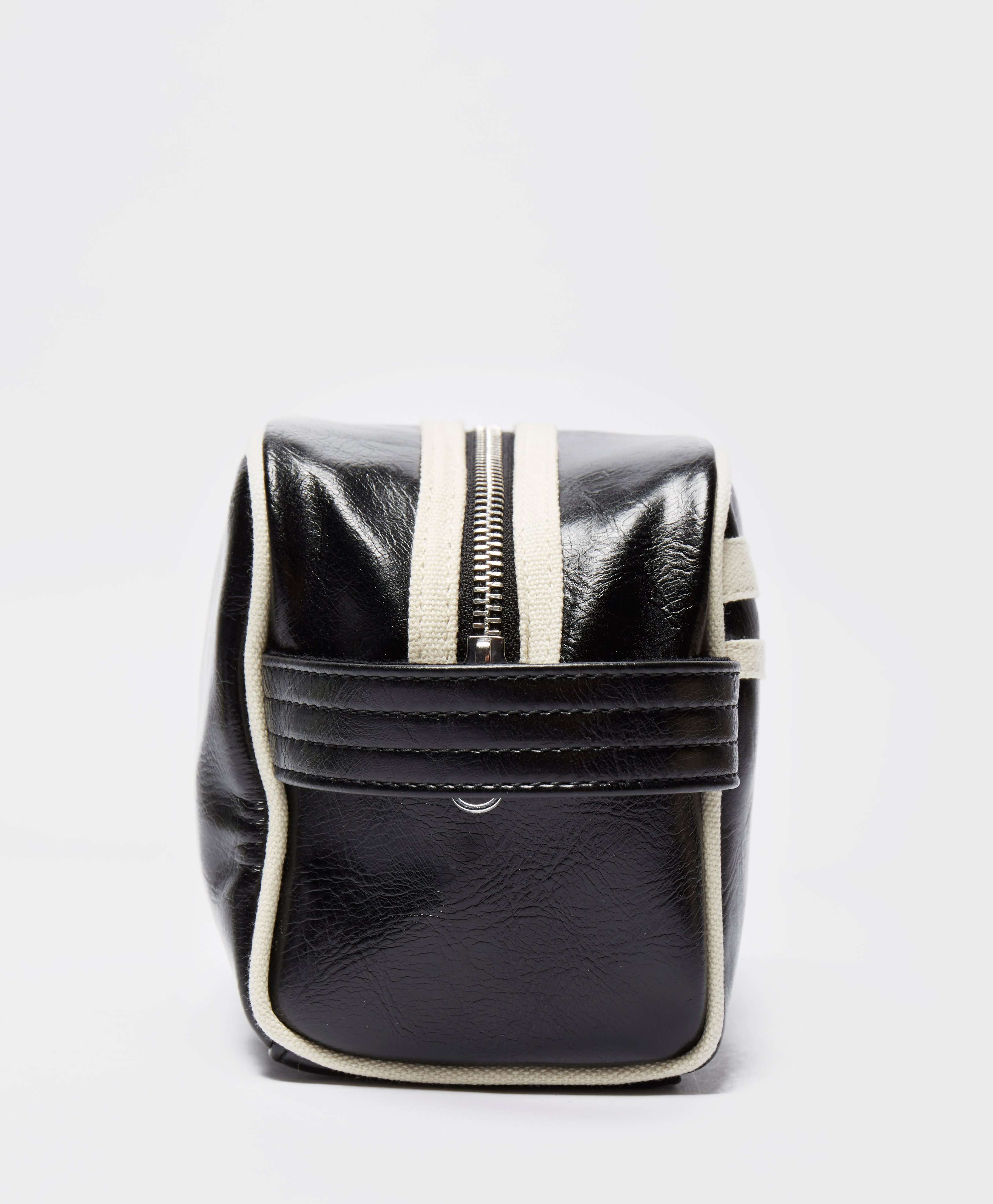 Fred Perry Twin Tipped Wash Bag