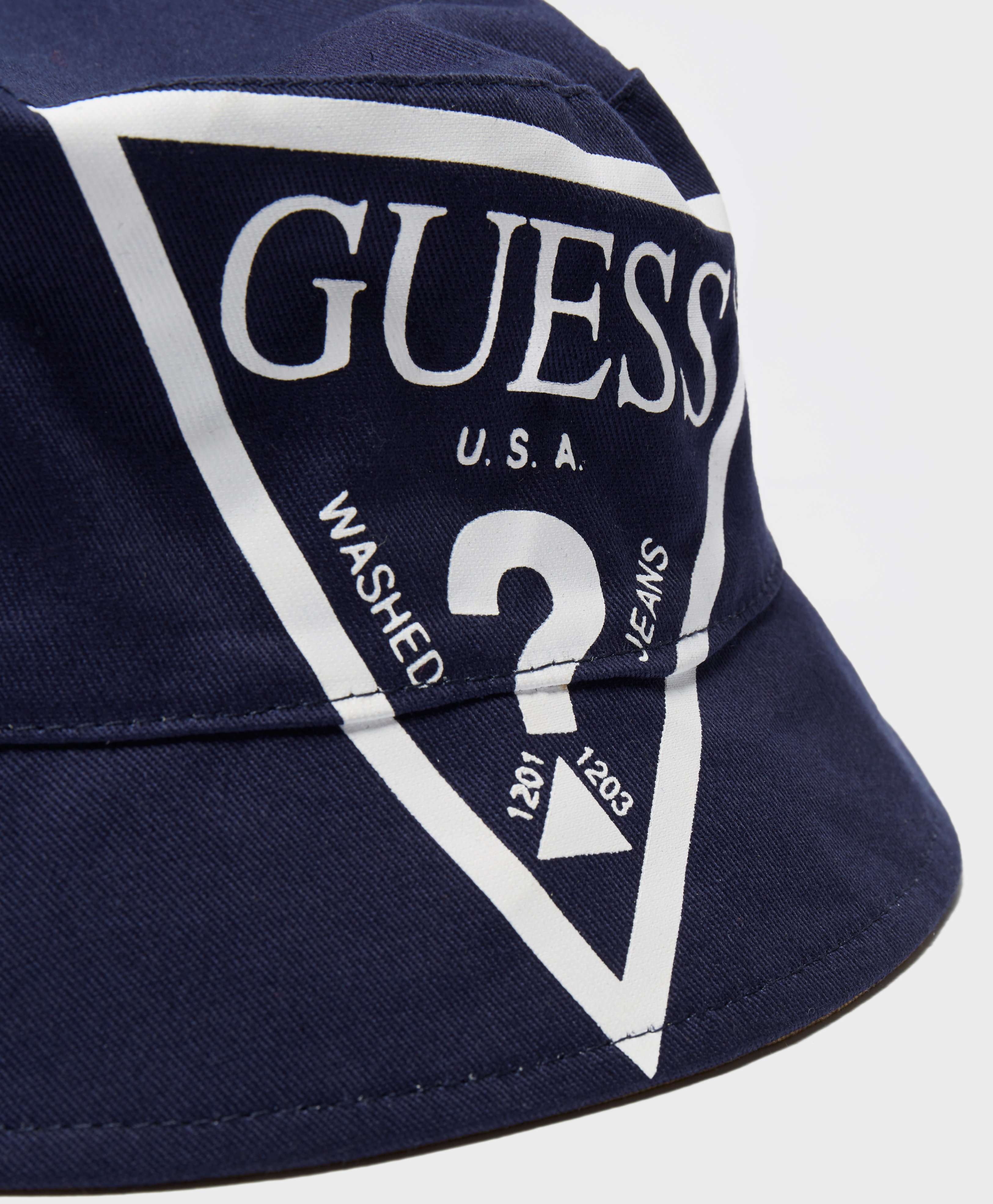 GUESS Bucket Hat