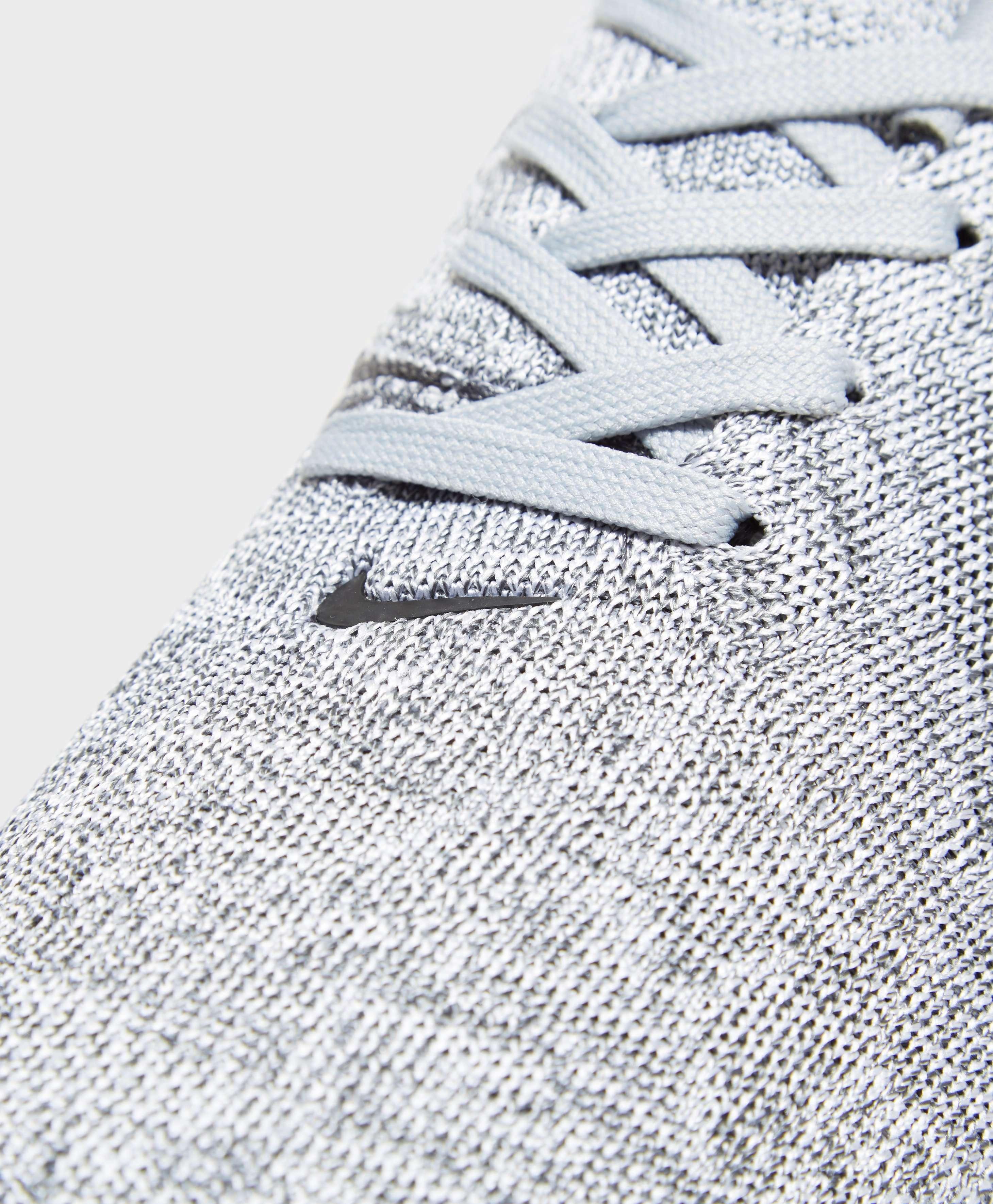 Nike Air Max Modern
