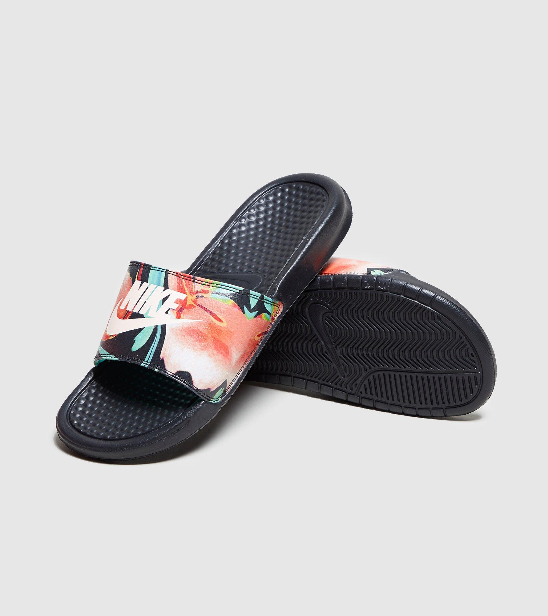 Nike Se Desliza Para Mujer Benassi comprar falso barato cómodo en línea comprar venta barata SAST barato MSGQxCPM