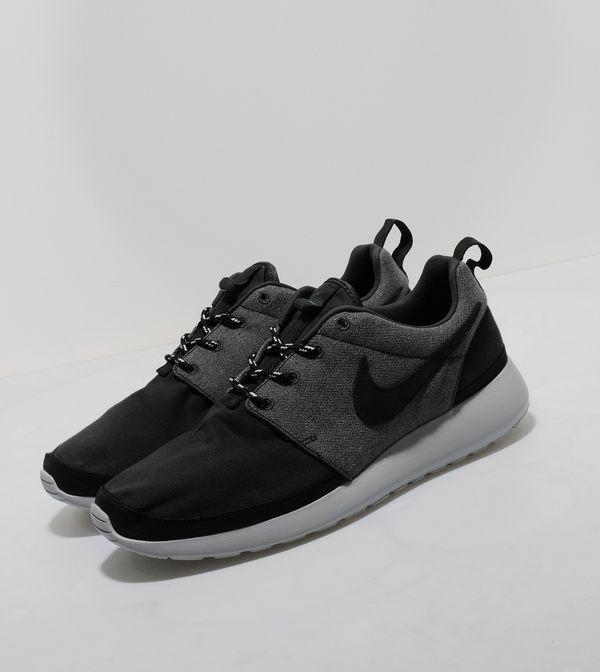 ac046b47104e4 Nike Roshe Run Premium