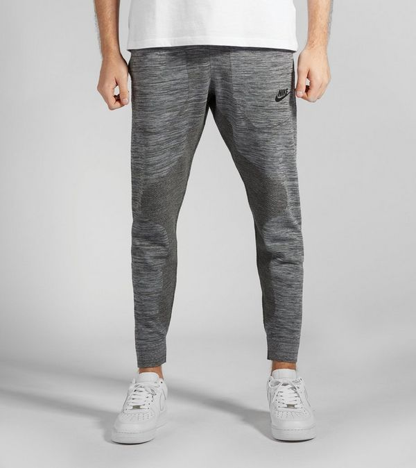 Nike Tech Knit Joggers