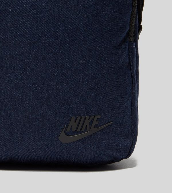 222a2acd1c Nike Core Small Items 3.0 Pouch Bag