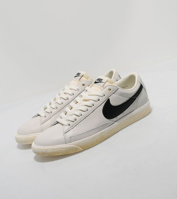 Nike Blazer Low Vintage - size  Exclusive  10898659a847