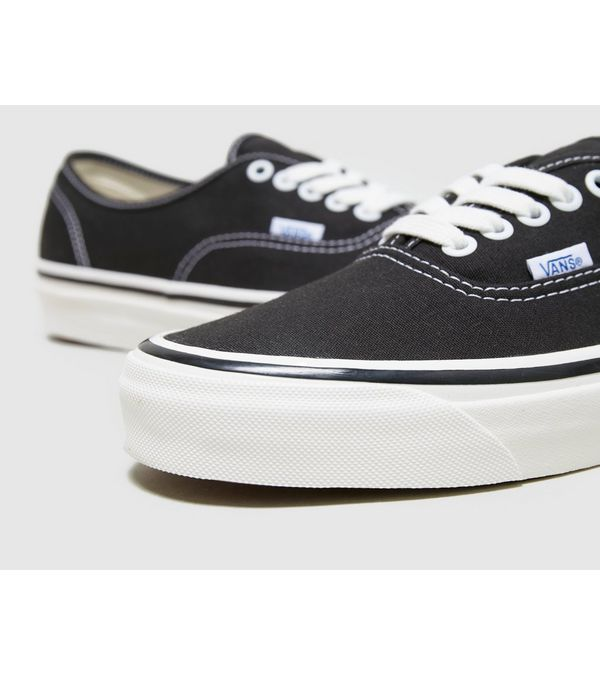 5022fee105b Vans Anaheim Authentic 44 DX