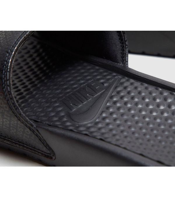 442ed9f7df204 Nike Benassi Slides