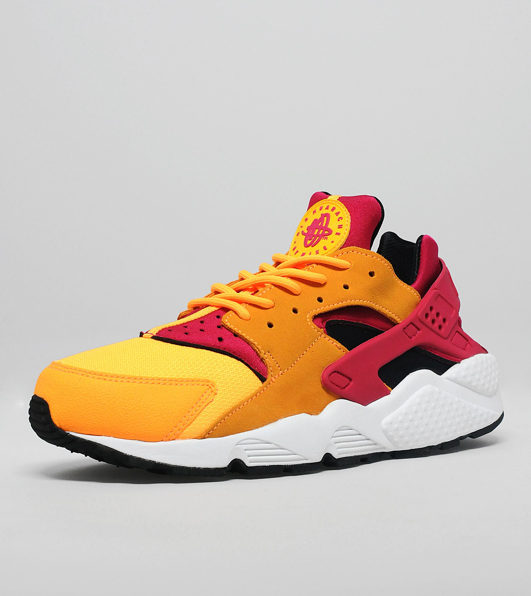 men's huarache shoes Show love for a 90s original that has stood the test of time with a pair of men's Huarache shoes. Designed by the prolific Tinker Hatfield, the Huarache burst onto the scene in and quickly gained popularity among Olympic athletes.