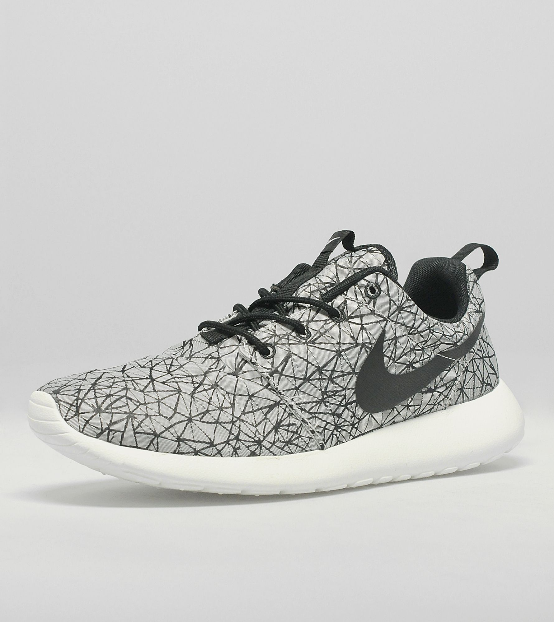 d07039efa894 ... promo code for nike roshe run gpx geometric 69471 2fb5a