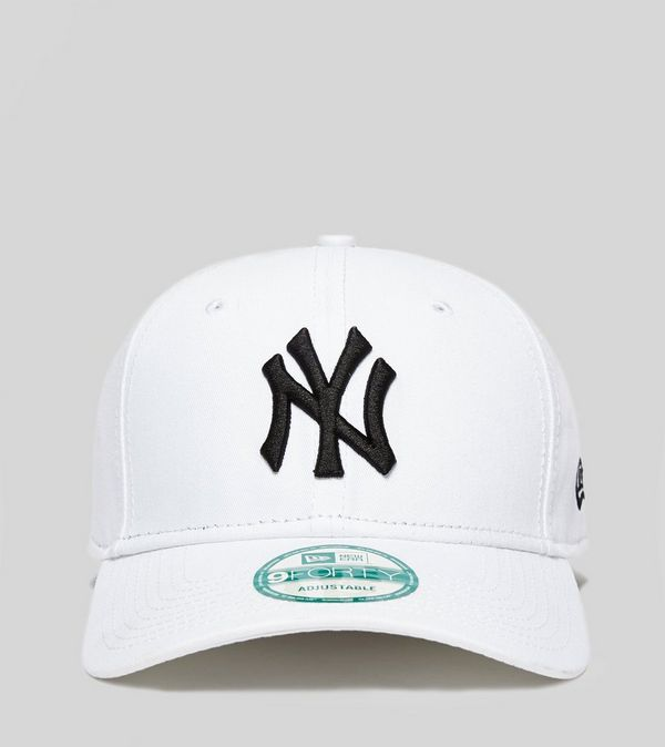New Era MLB New York Yankees 9FORTY Cap  44ed6198191