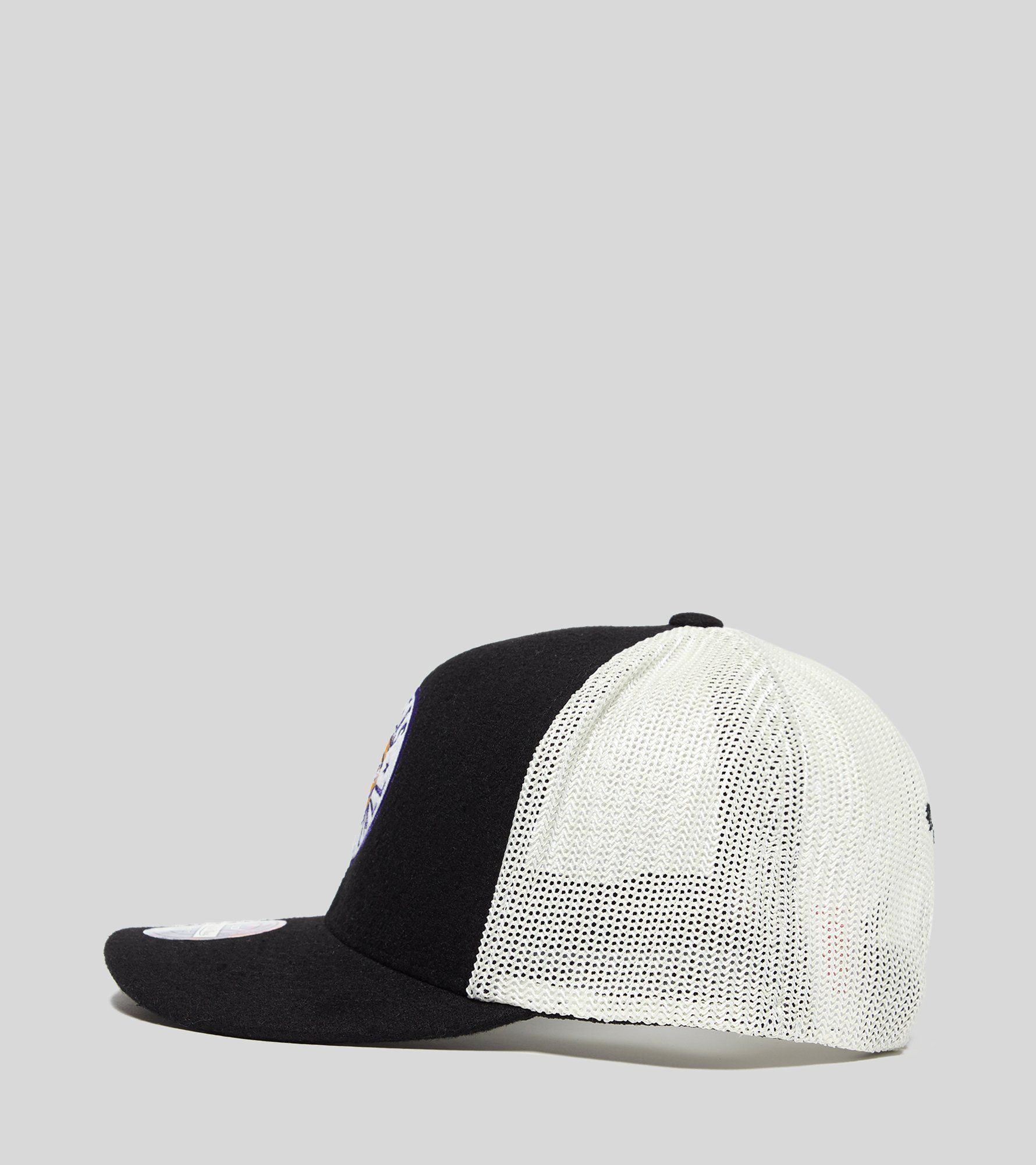 Mitchell & Ness Lakers Truckers Cap