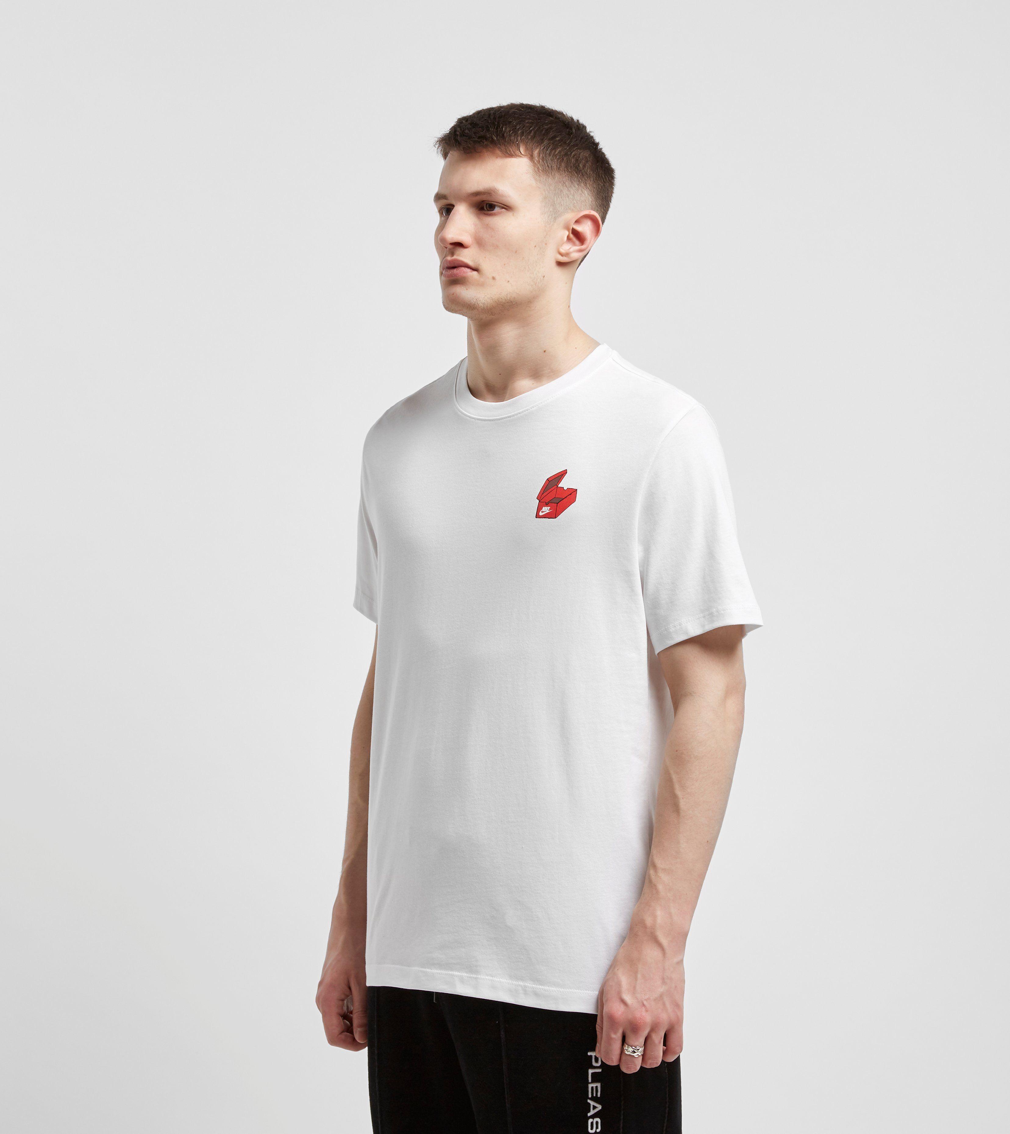 Nike T-Shirt Shoe Box