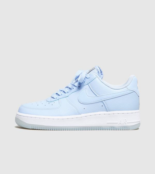 the latest bc424 e2d62 Nike Air Force 1 07 Essential Womens