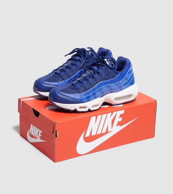 7bdf5199ffa63e Nike Air Max 95 SE Women s