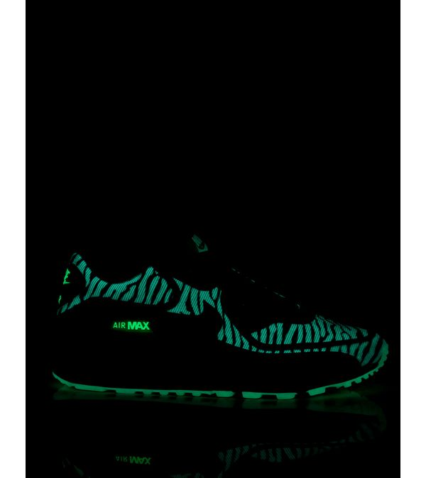 ... Nike Air Max 90 'Glow In The Dark' ...