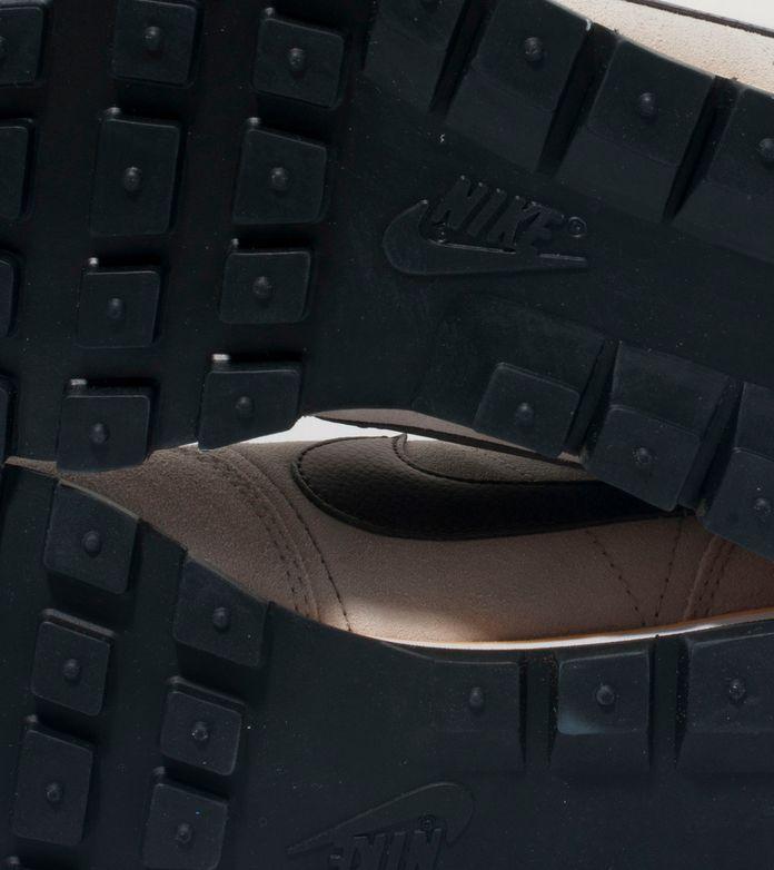 Nike Pegasus 83