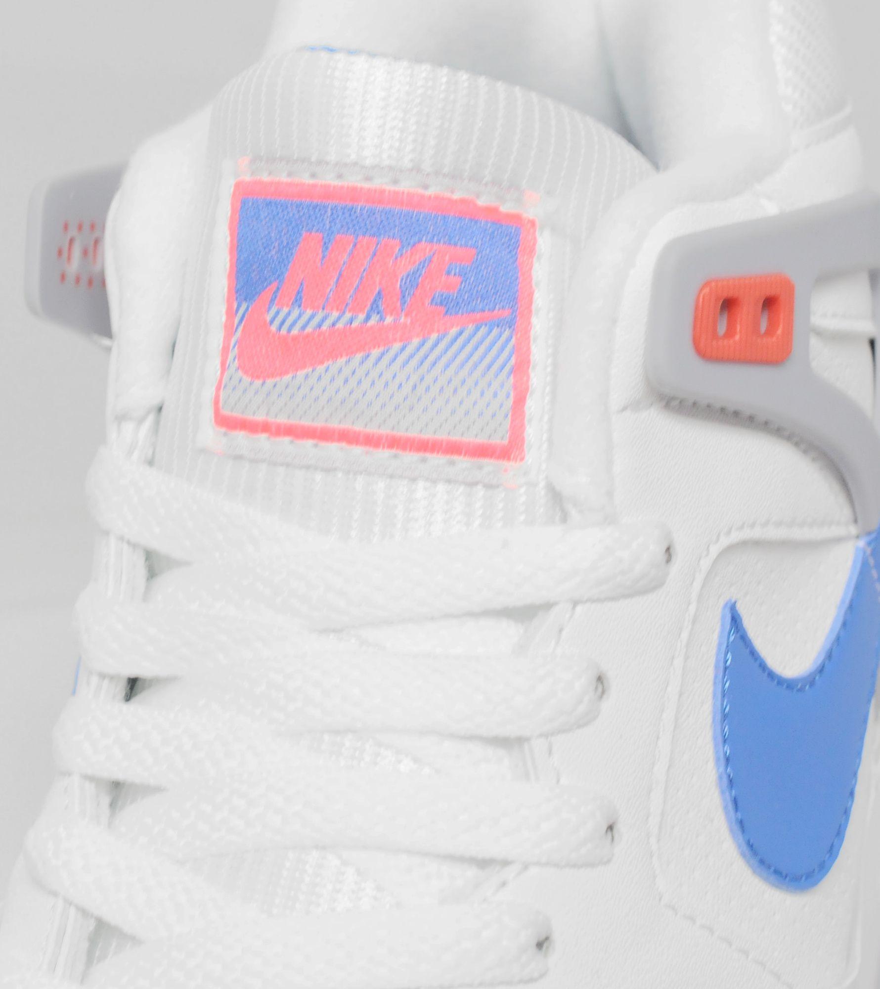 Nike Tech Challenge II Quickstrike