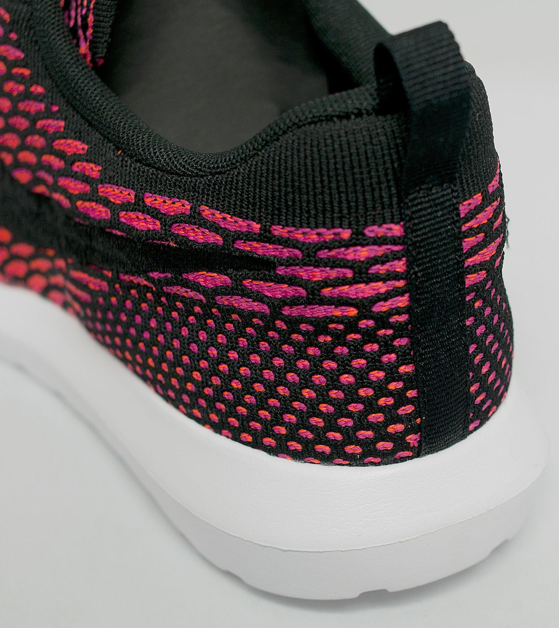 doakd Nike Roshe Run Flyknit \'Fireberry\' | Size?