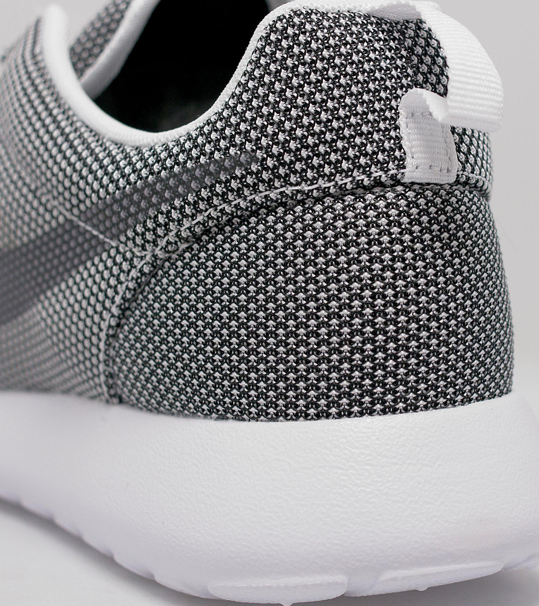 wlmwj Nike Roshe One   Size?