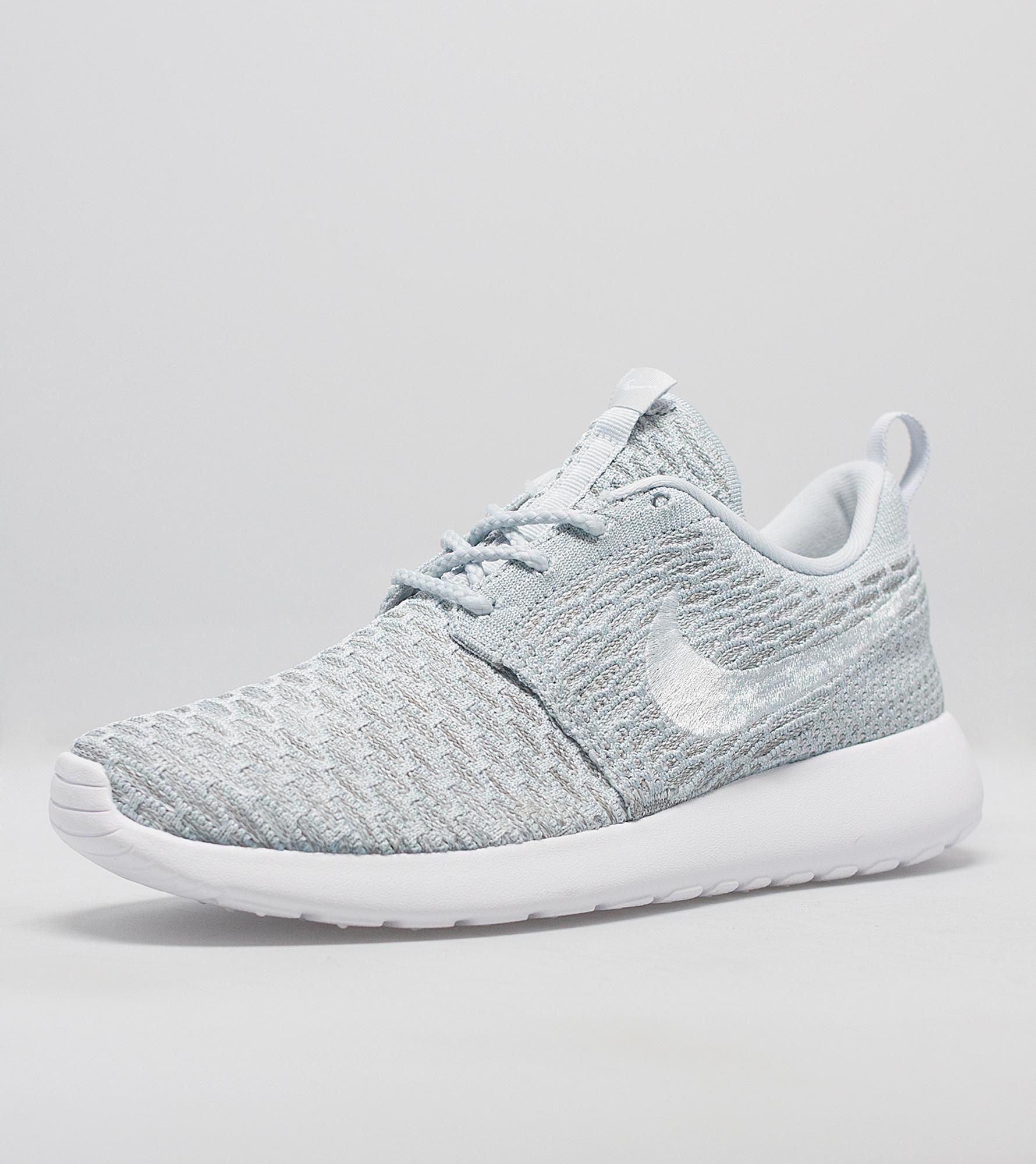 size nike roshe run flyknit women