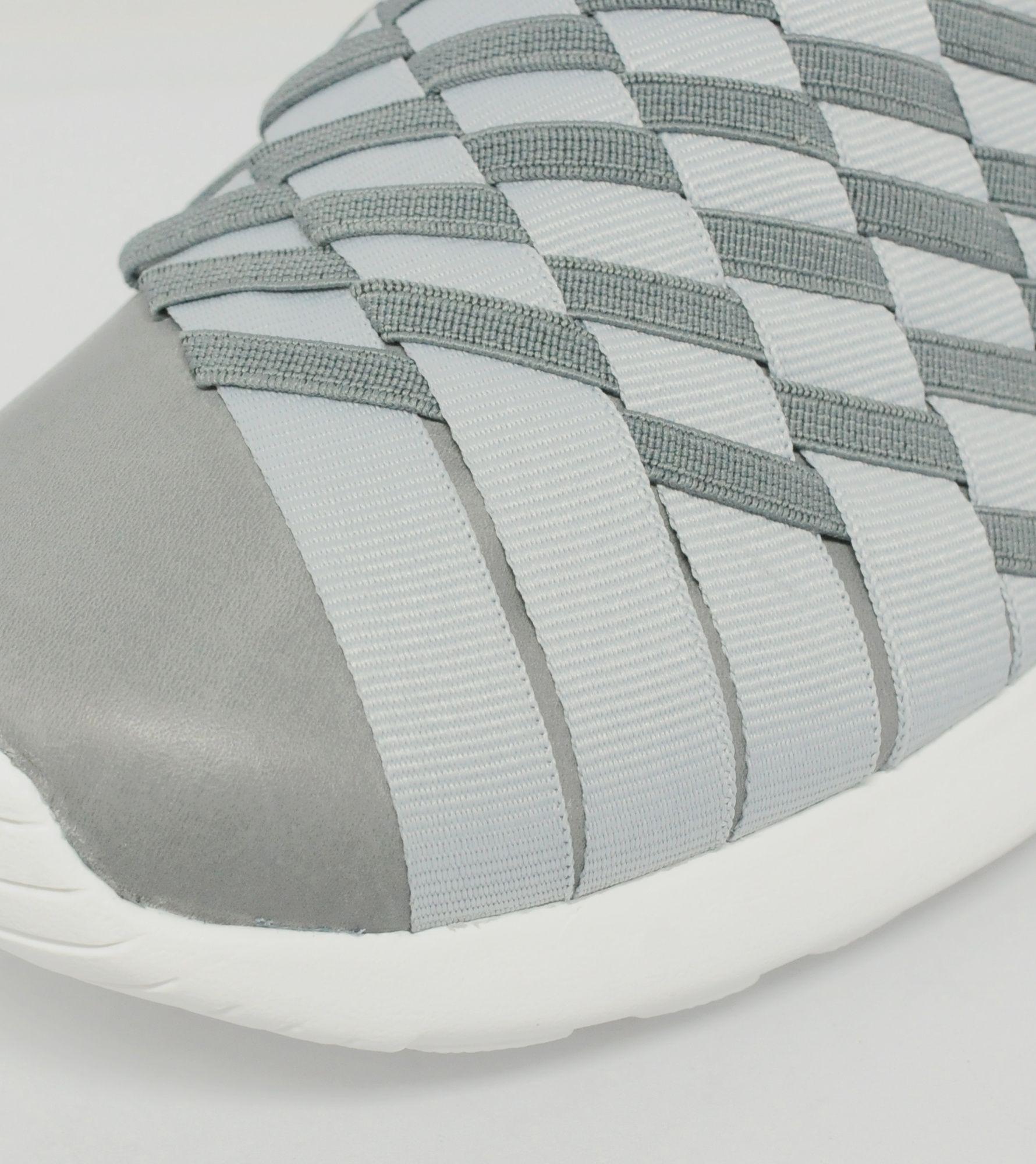 lteyf Nike Women\'s Roshe Woven Slip On 2.0 | Size?