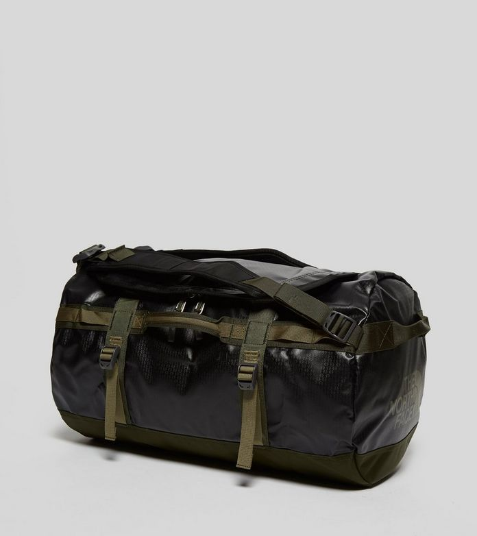 North Face Base Camp Schoudertas : The north face small base camp duffel bag size