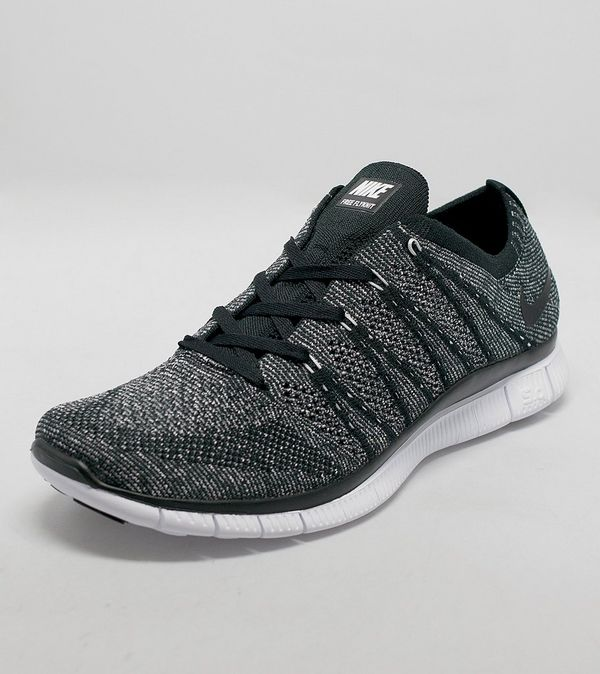 new products 6e1ee 52692 Nike Free Flyknit NSW