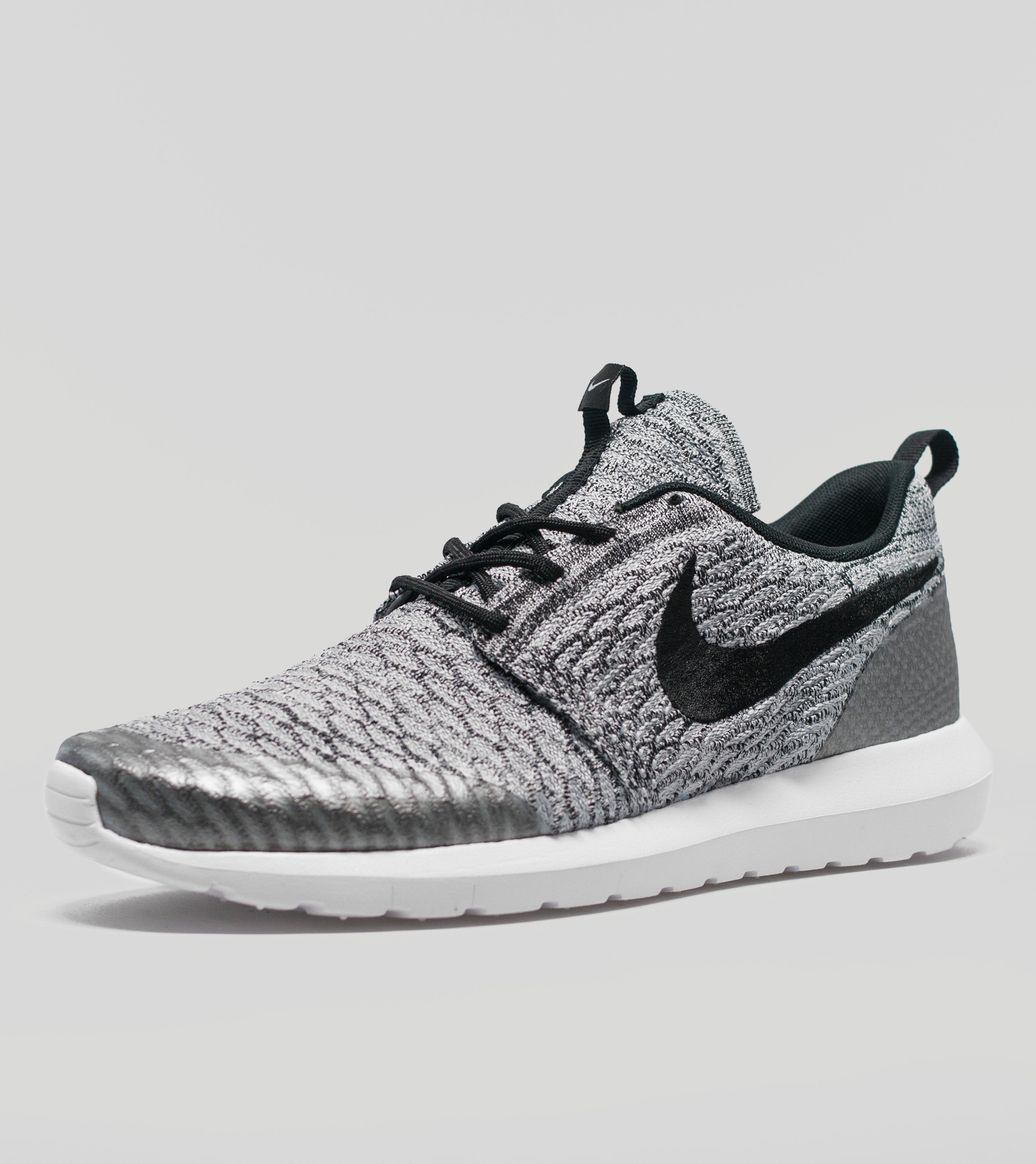 Gris Nike Austérité Roshe
