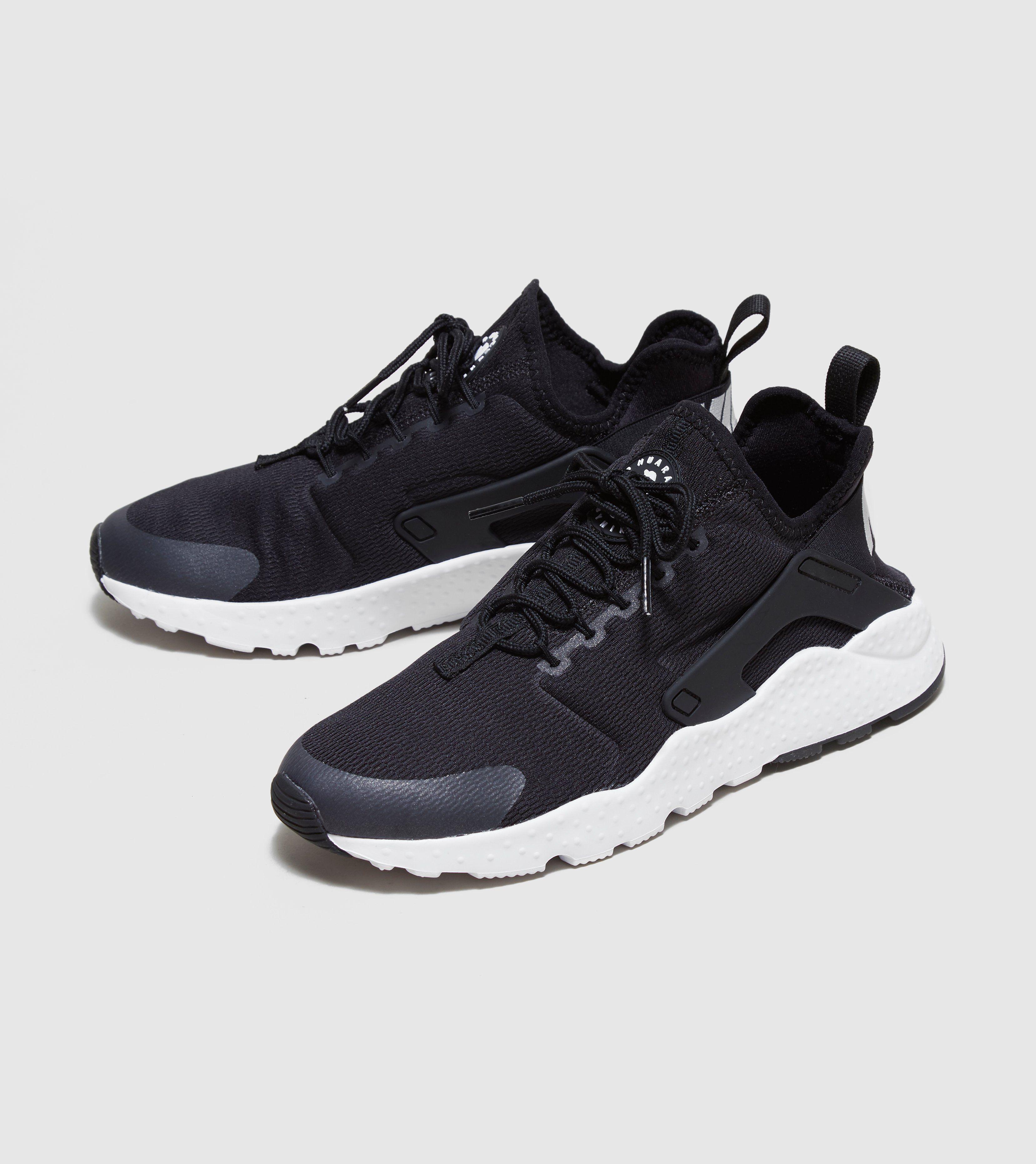 Mens Air Huarache Sneakers, Green, 7.5 Nike