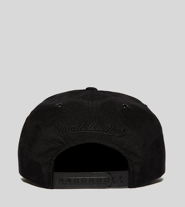 f0e7c90cd7f Mitchell   Ness Toronto Raptors Snapback Cap - size  Exclusive