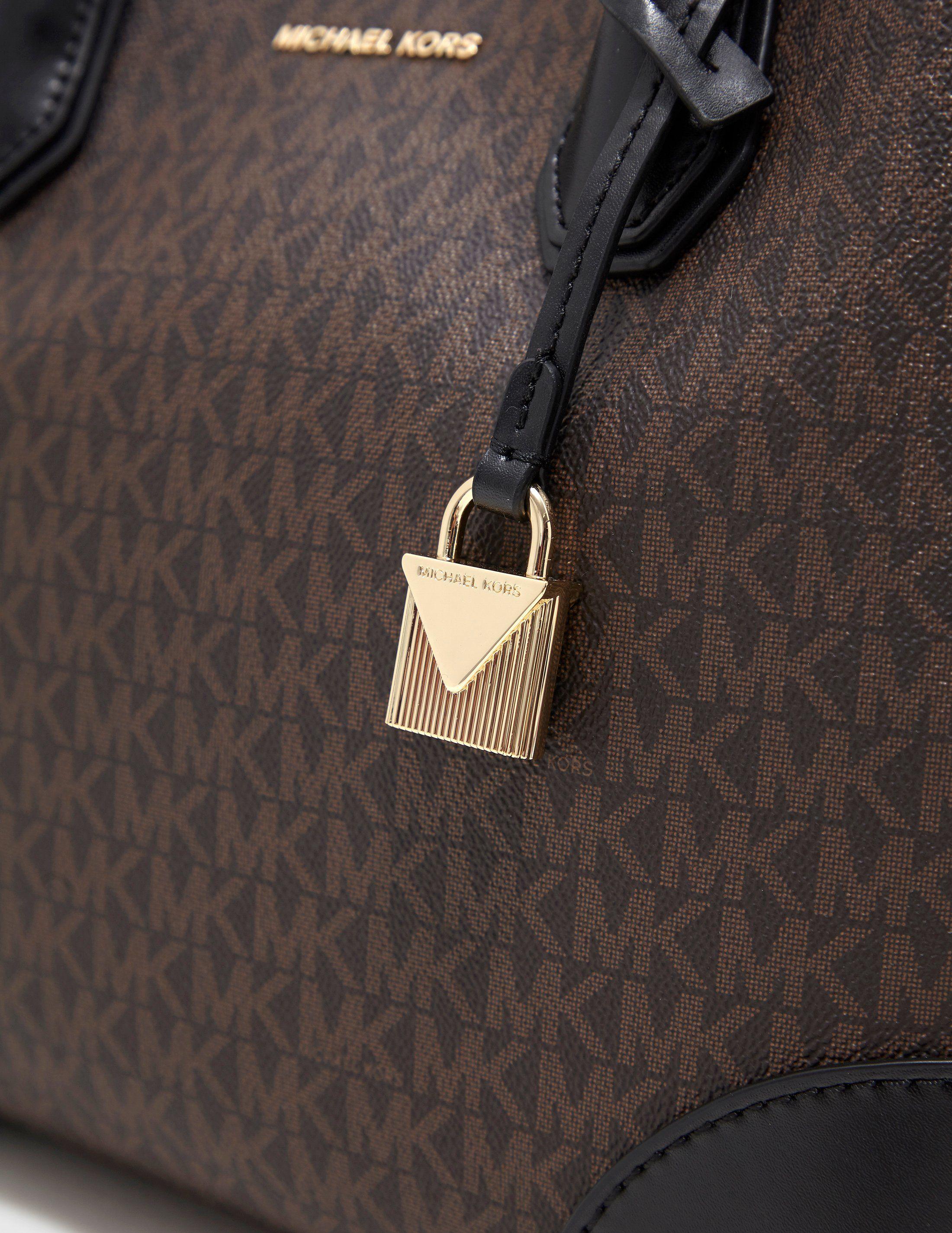 Michael Kors Gallery Signature Bag