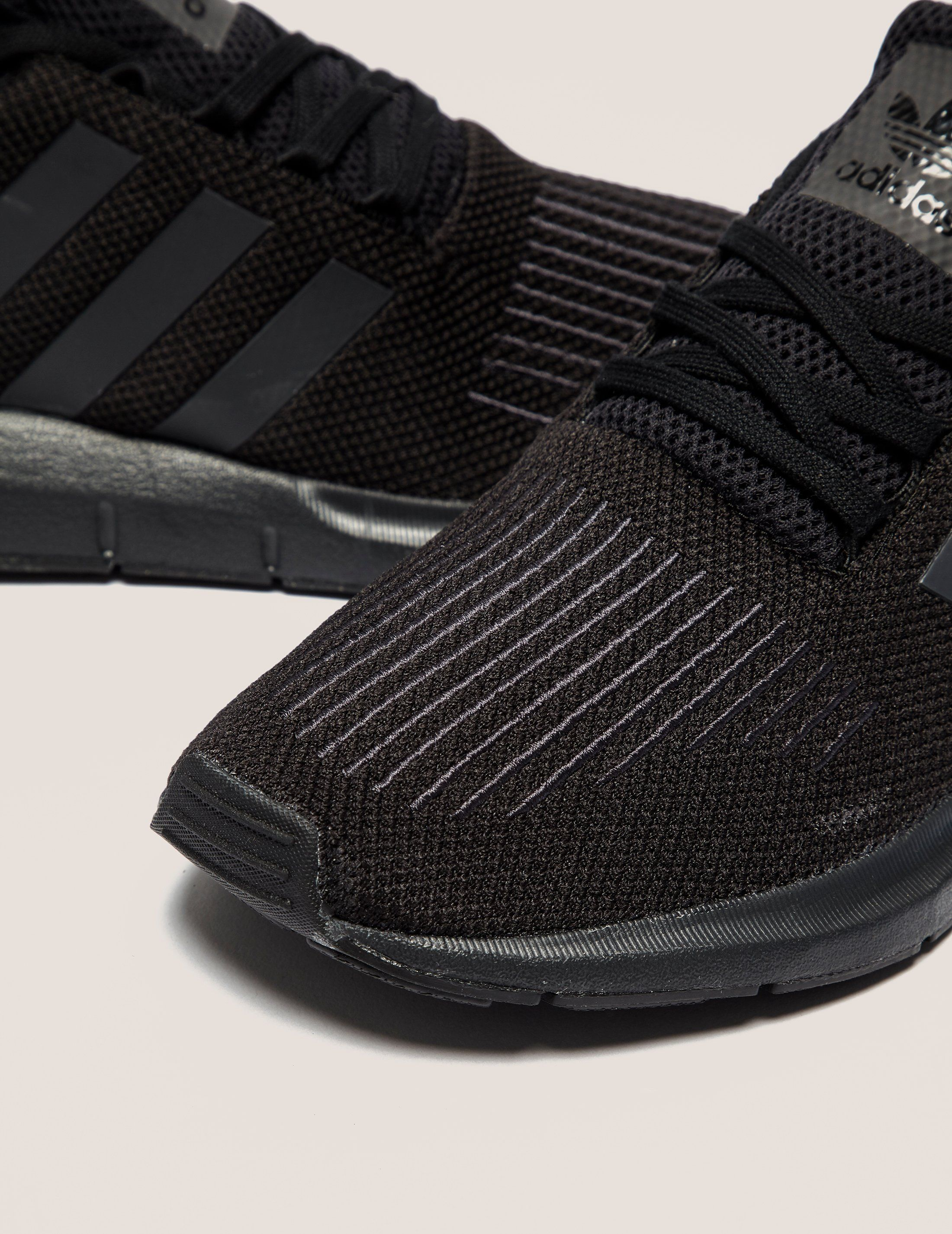 adidas originali swift run tessuti