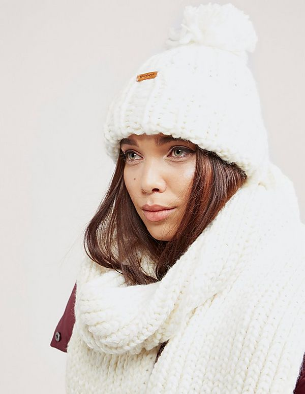 Barbour Chunky Hat and Scarf Set  ca7a367384b