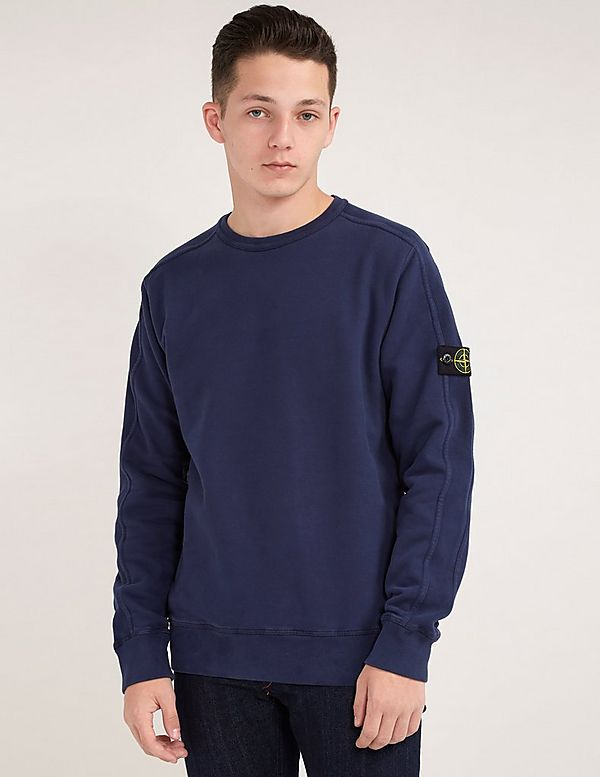 stone island t shirt with badge