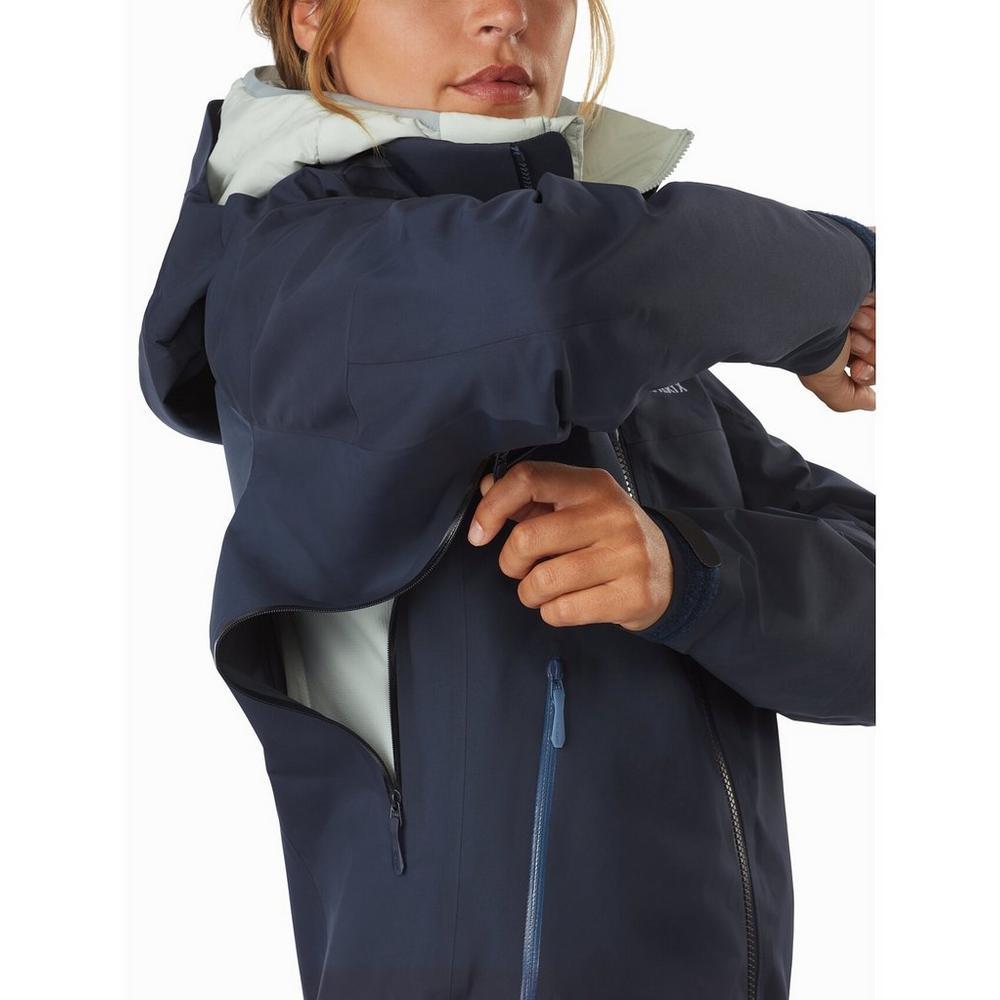 Arcteryx Women's Arc'teryx Beta AR Waterproof Jacket - Navy