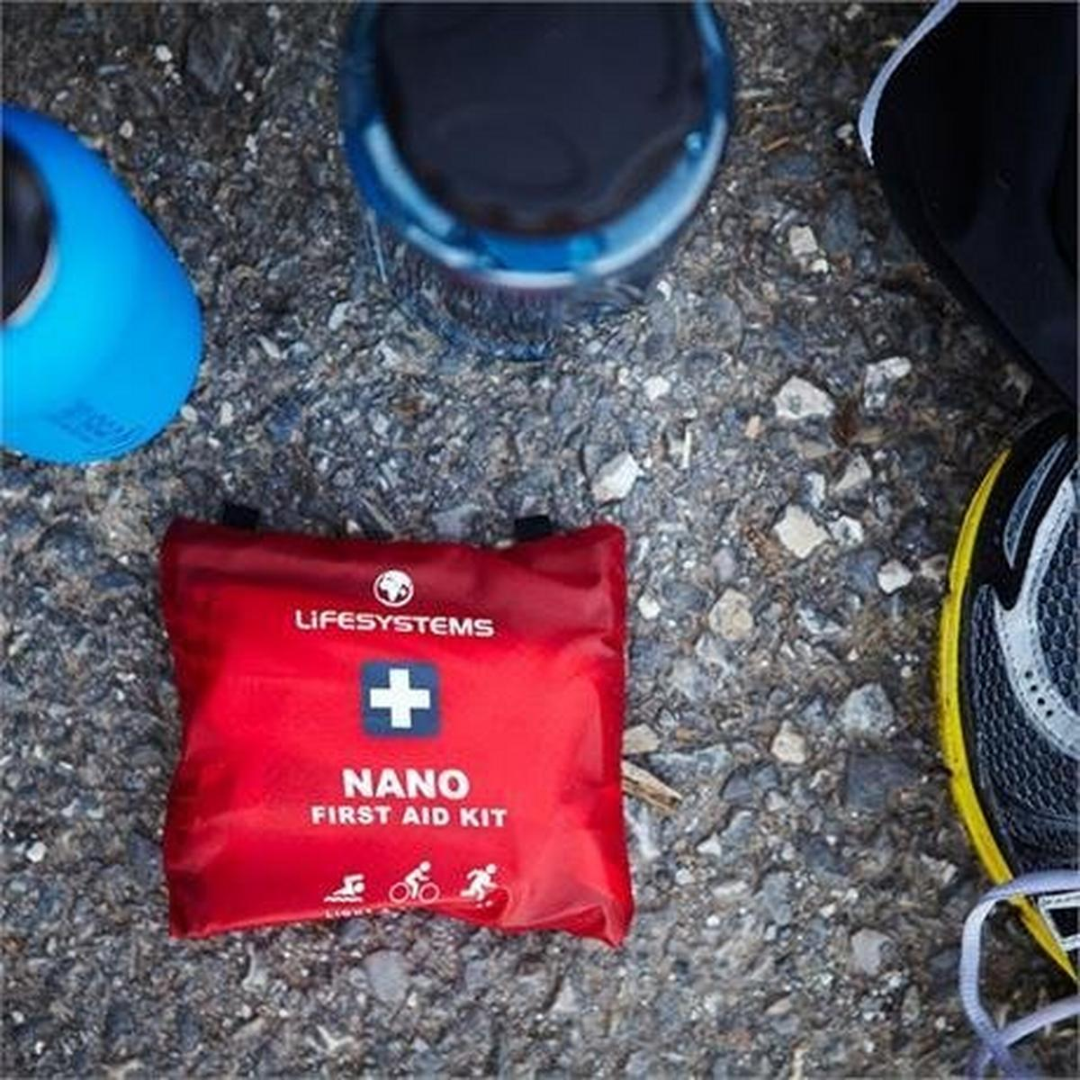Lifesystems First Aid Kit: Light and Dry Nano