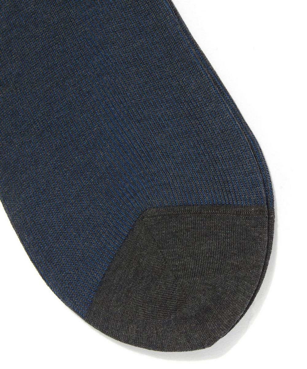 Fine Shadow Stripe Socks