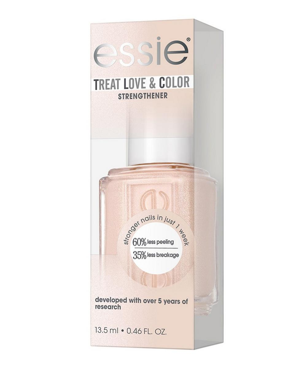 Treat Love & Colour Nail Polish In See The Light