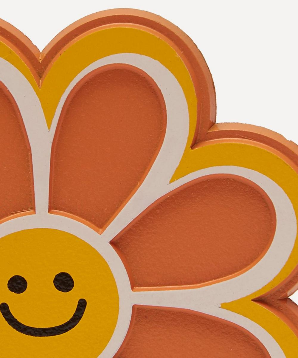Smiling Daisy Magnet