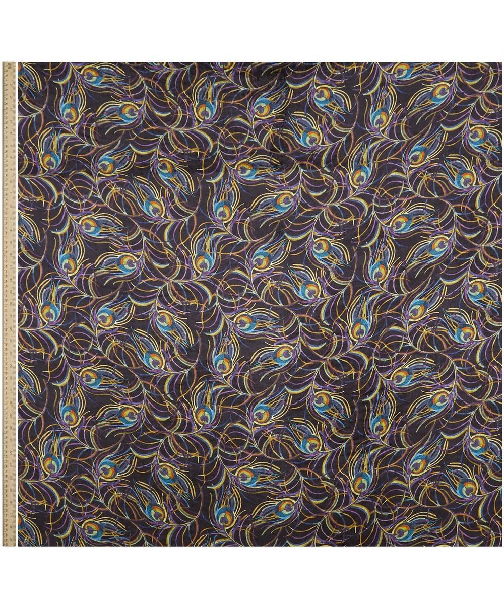 Isadora Hoxton Velvet