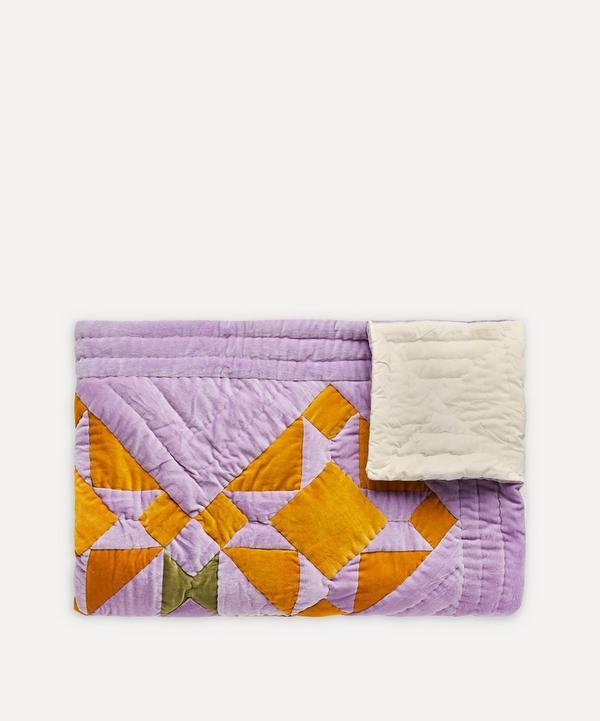 Projektityyny - Sinikello Cotton Velvet Patchwork Print