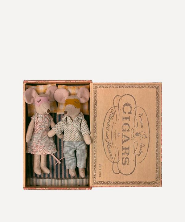Maileg - Mum and Dad Mice in Cigar Box Toy