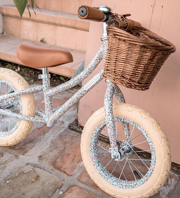 wicker basket bike